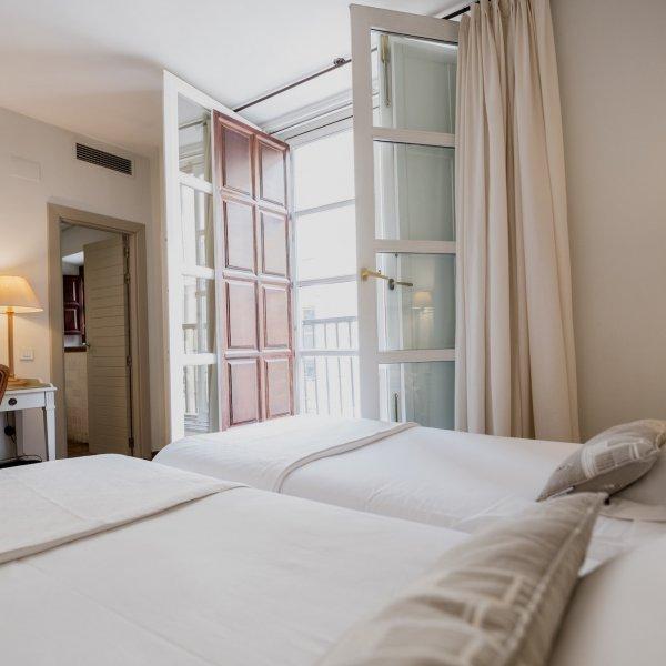 hotel navas -107